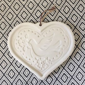 VTG 1999 | Dove of Peace Pottery Cookie Mold